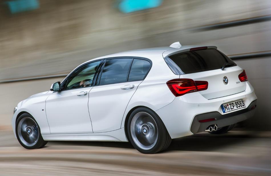 задняя часть BMW 1-Series 2016