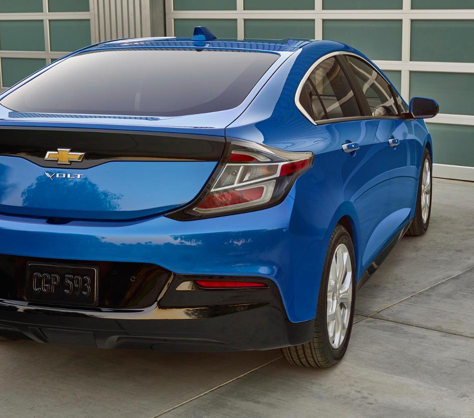 задняя часть Chevrolet Volt 2016