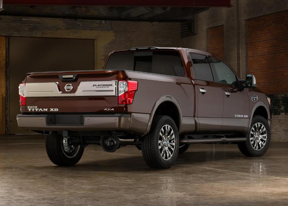 задняя часть Nissan Titan XD Platinum Reverse 2016