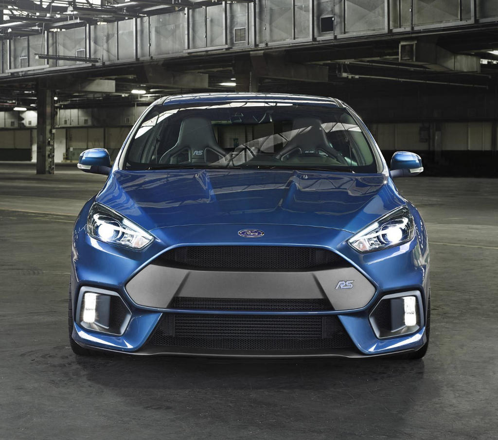 бампер и фары Ford Focus RS 2016