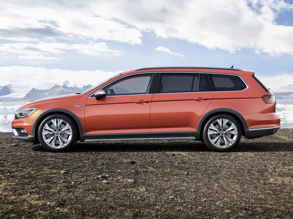 новый Volkswagen Passat Alltrack 2016 сбоку
