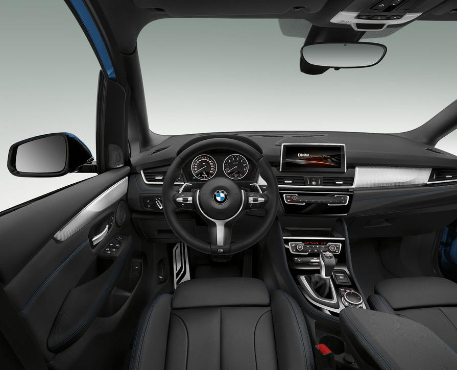 салон BMW 2-Series Gran Tourer 2016