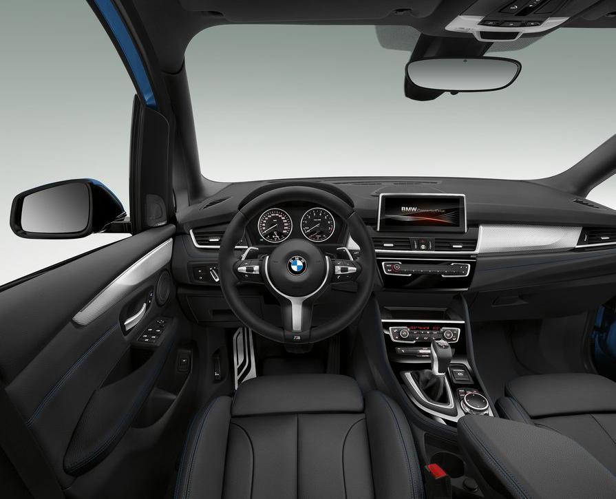 салон BMW 2-Series Gran Tourer 2016