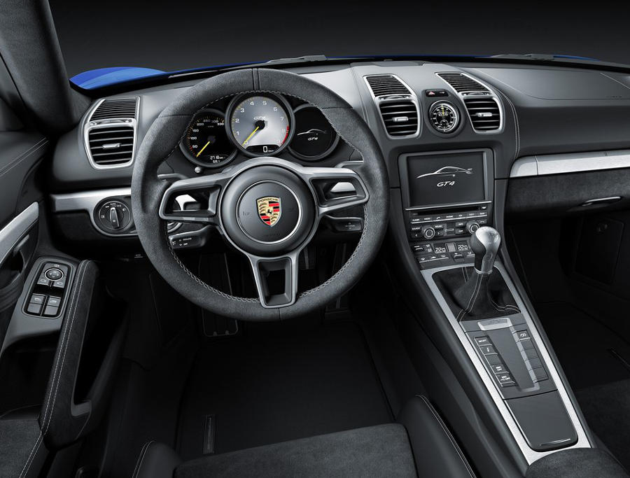 салон Porsche Cayman GT4 2016