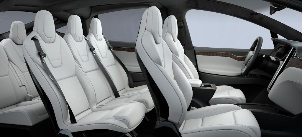 салон Tesla Model X SUV 2016