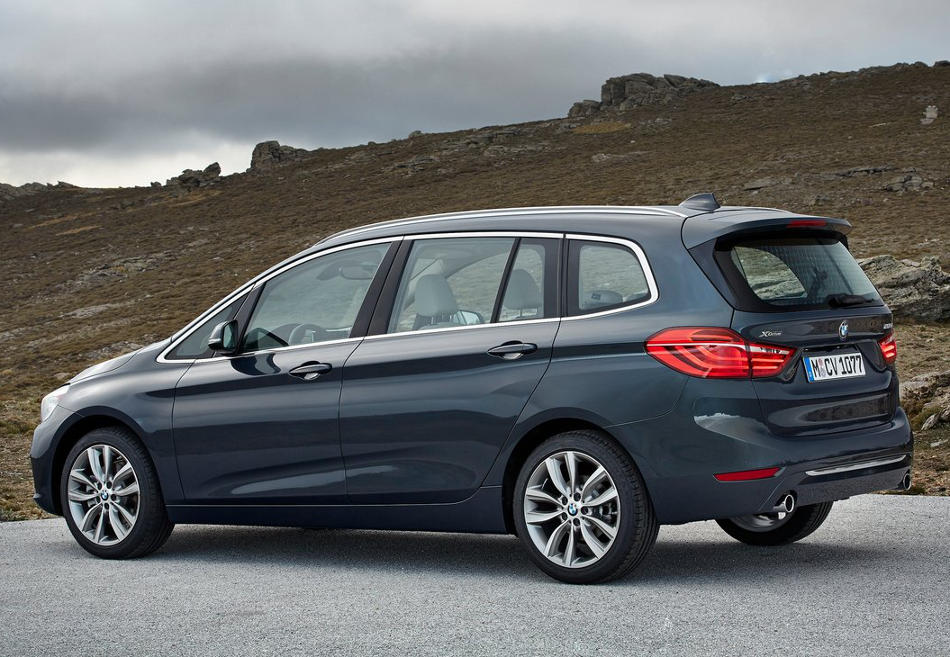 задняя часть BMW 2-Series Gran Tourer 2016
