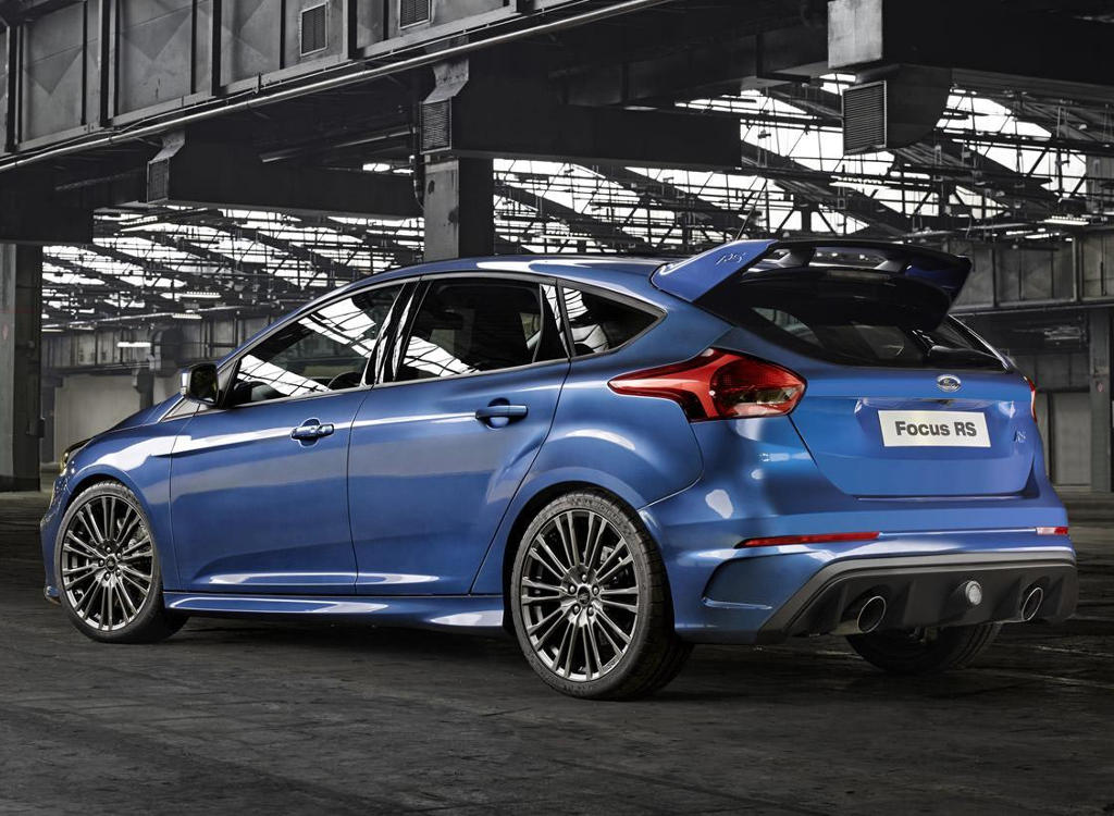 задняя часть Ford Focus RS 2016