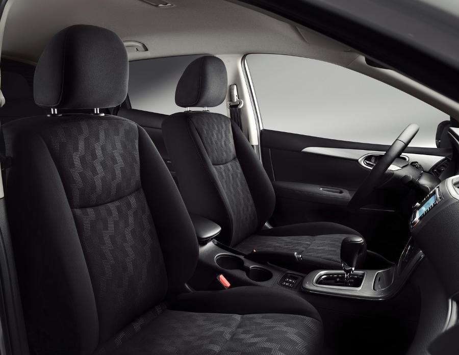 интерьер Nissan Tiida 2015