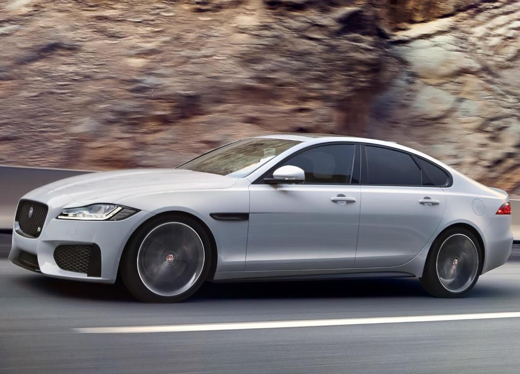 новый Jaguar XF 2016 сбоку