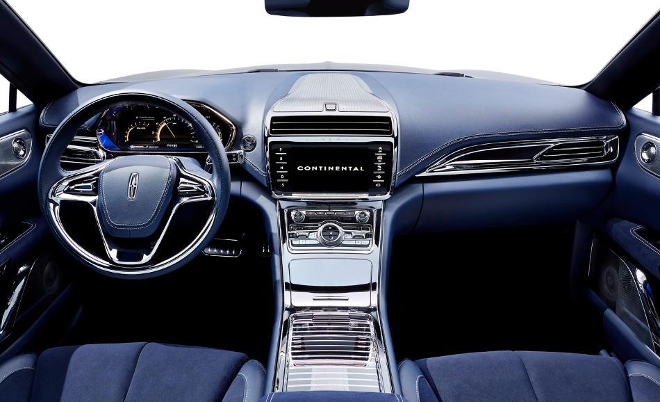 салон Lincoln Continental 2015