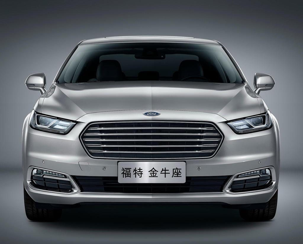 фары и решетка Ford Taurus 2016