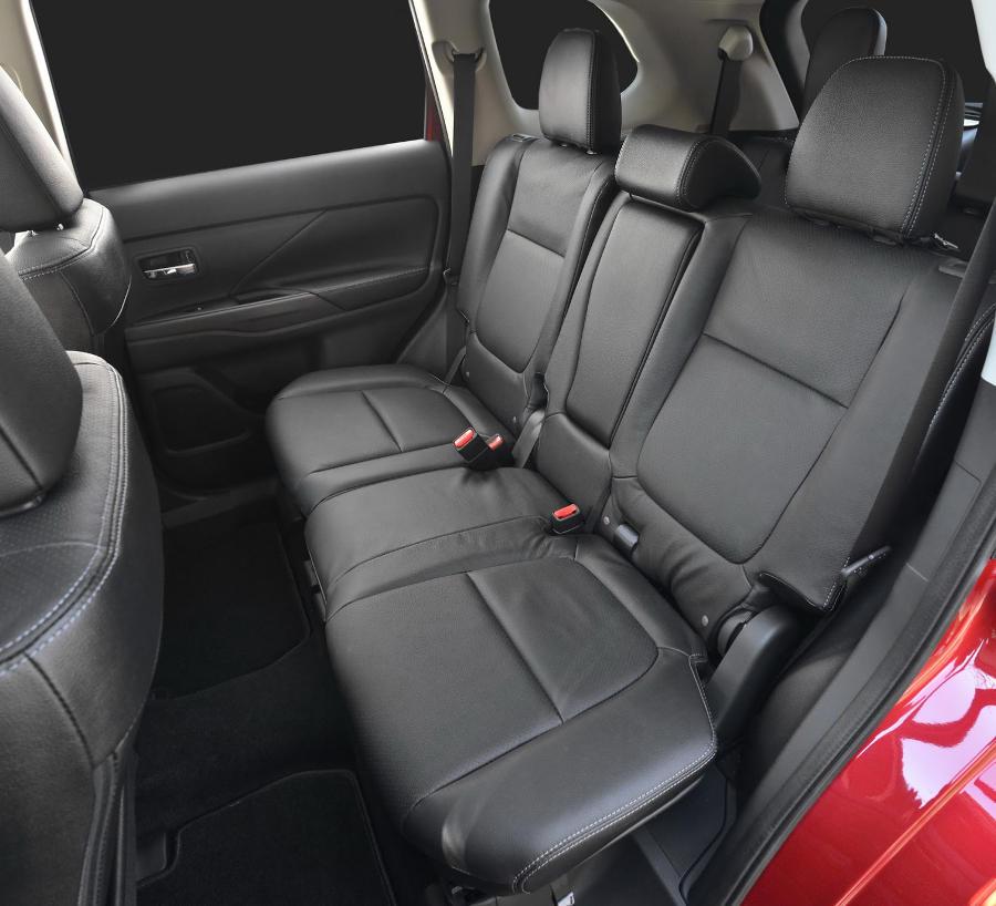 интерьер Mitsubishi Outlander 2015-2016