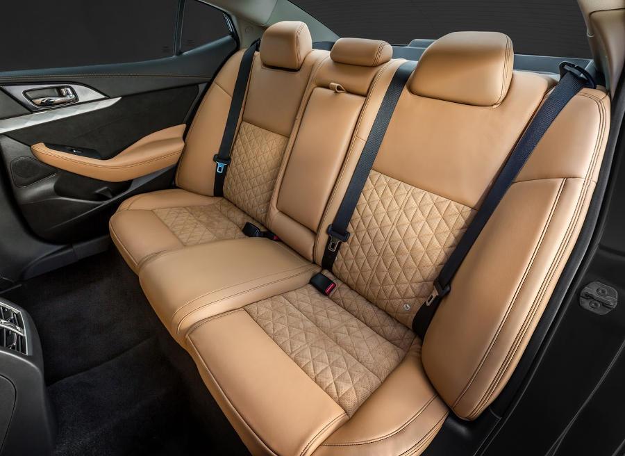 интерьер Nissan Maxima 2016