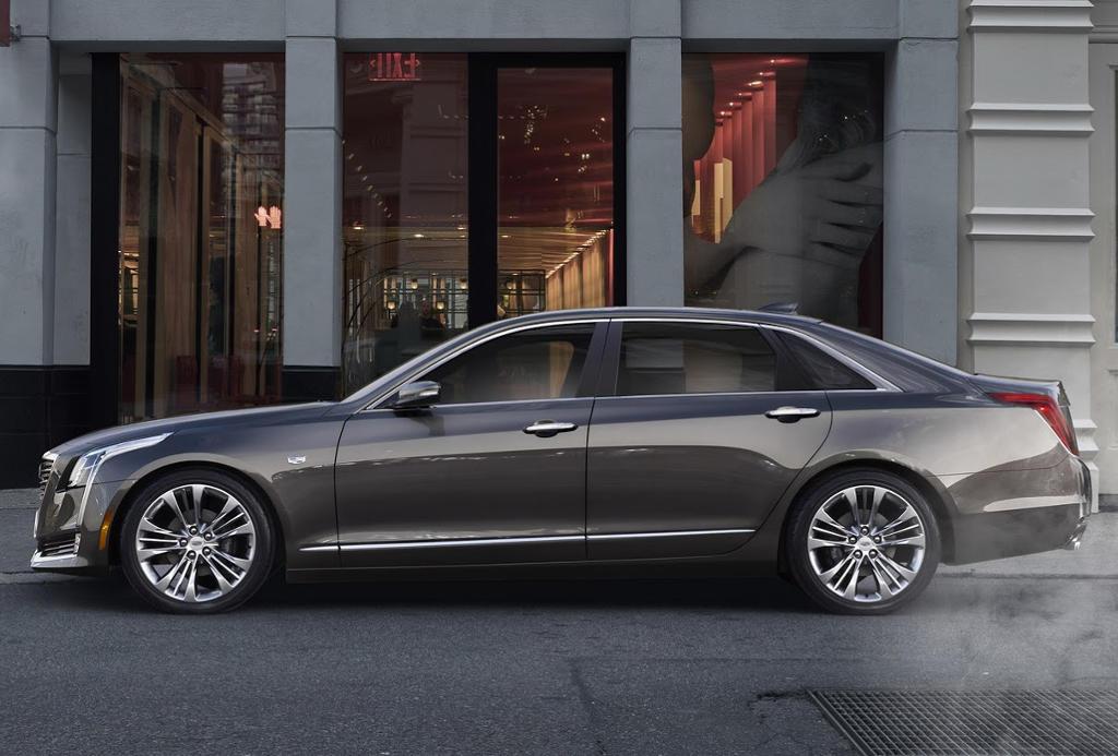 новый Cadillac CT6 2016 сбоку