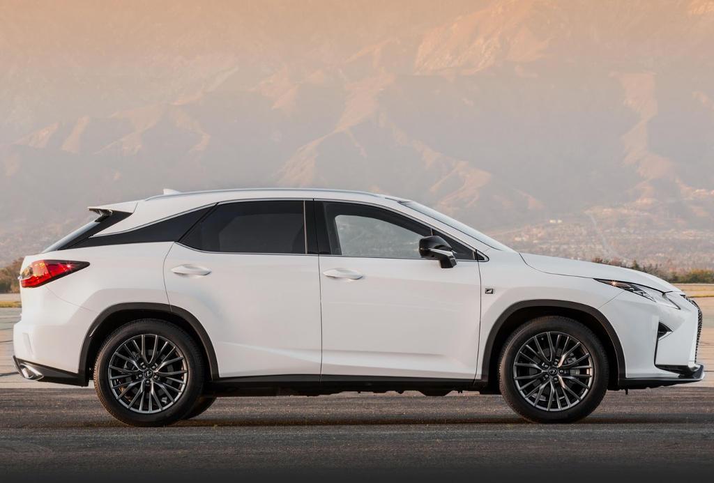 новый Lexus RX 2017 – 2018 сбоку
