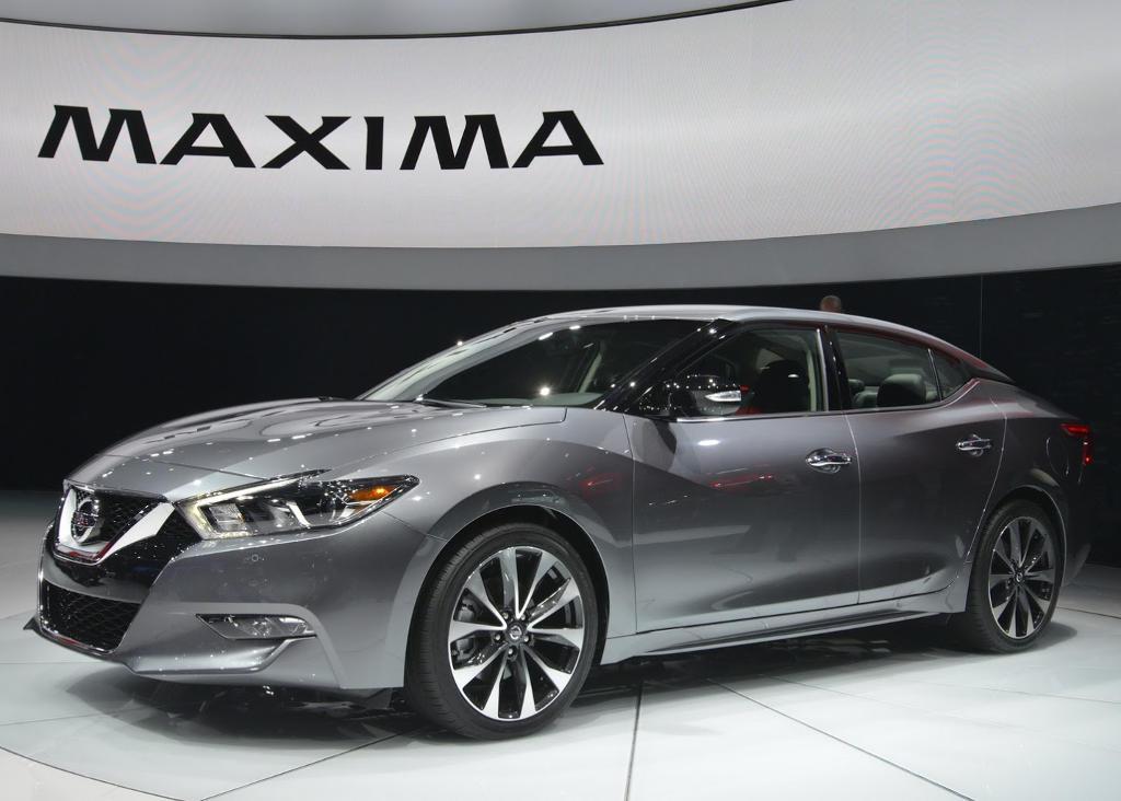 новый Nissan Maxima 2016 сбоку