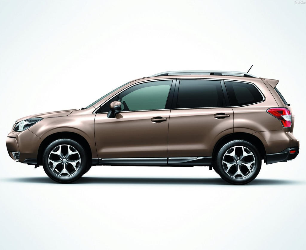 новый Subaru Forester 2015 сбоку