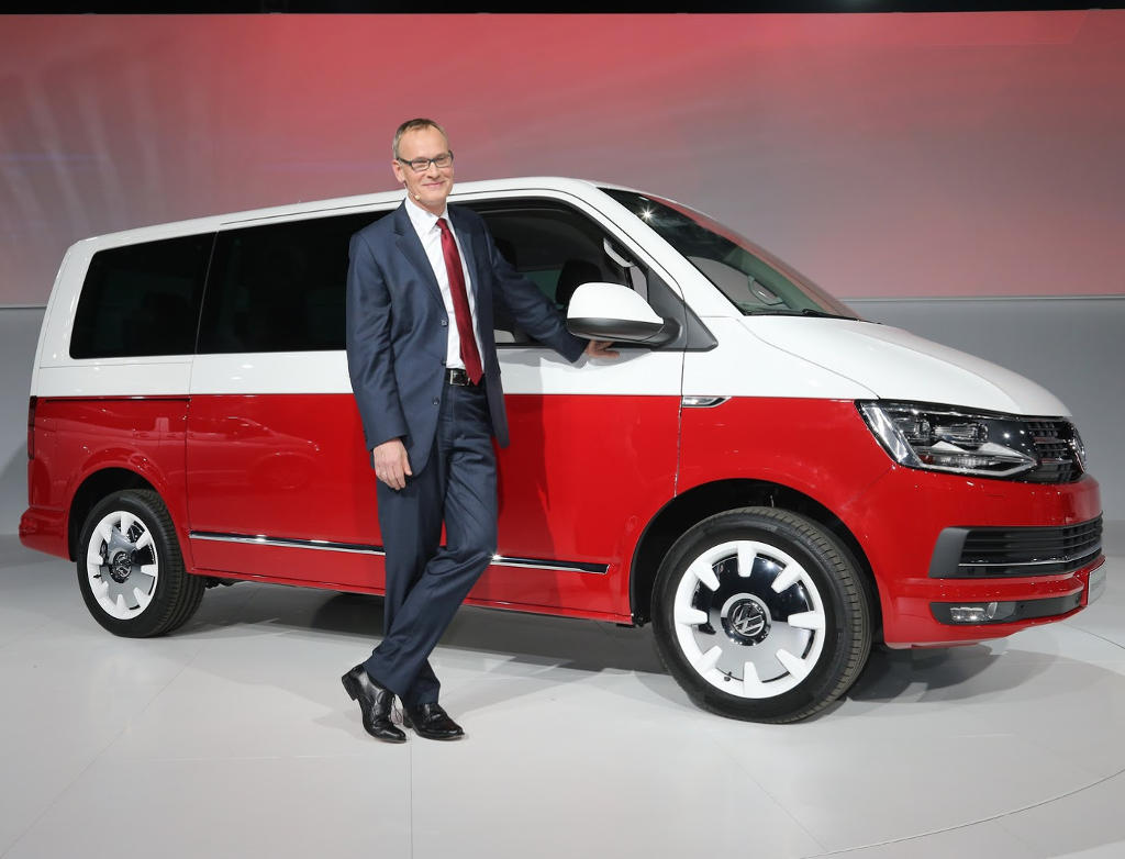 новый VW T6 Generation SIX 2016 сбоку