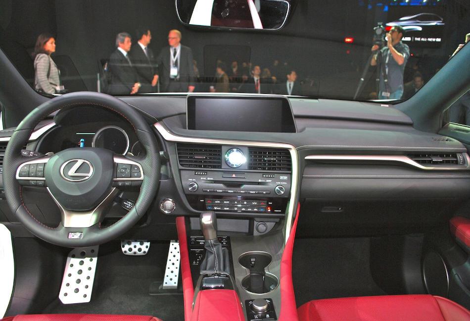 салон Lexus RX 2018