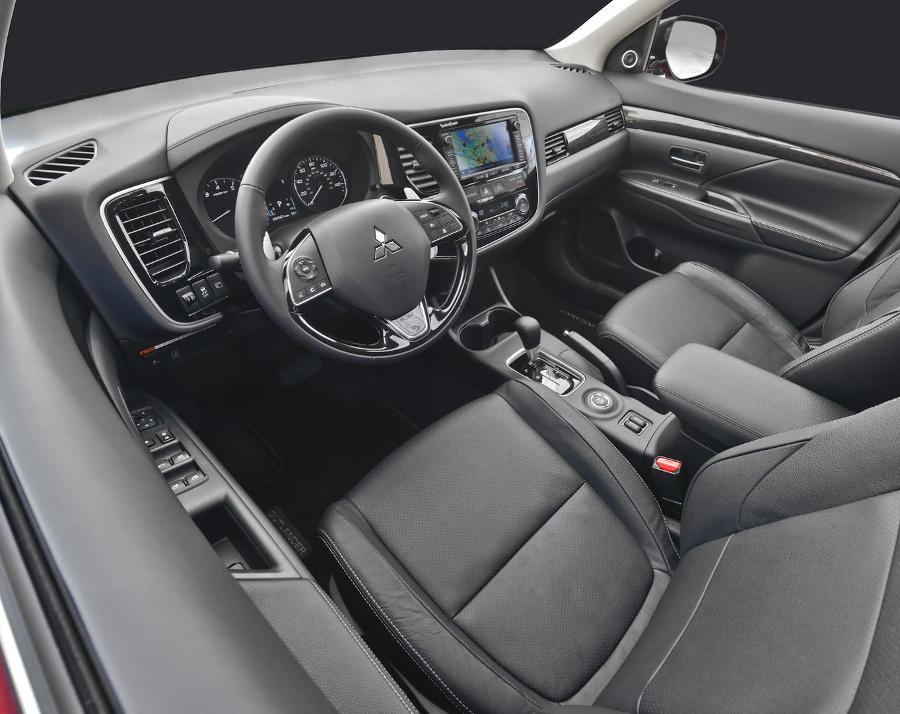 салон Mitsubishi Outlander 2015-2016
