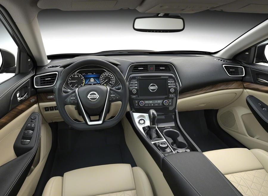 салон Nissan Maxima 2016