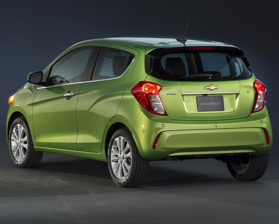 задняя часть Chevrolet Spark 2016