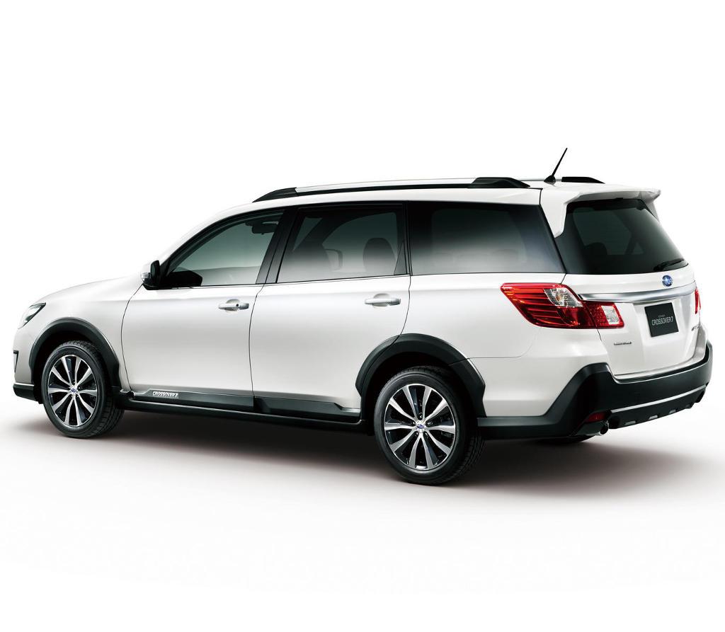 задняя часть Subaru Exiga Crossover 7