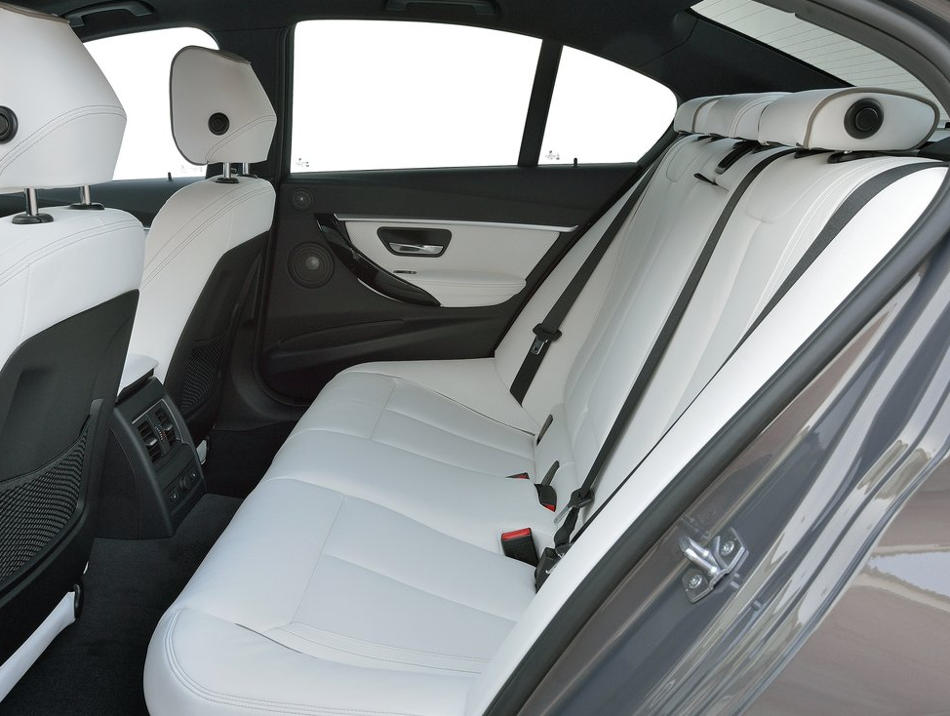 интерьер BMW 3-Series 2016