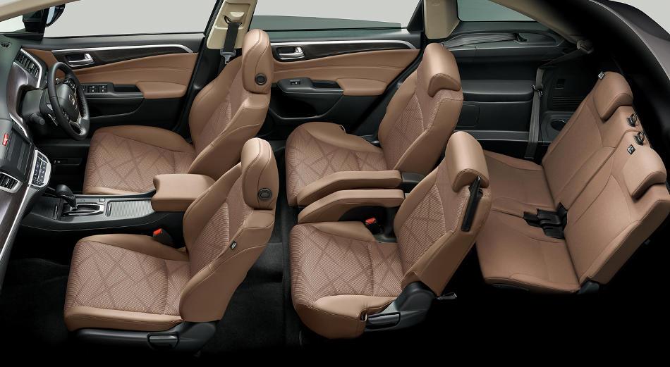 интерьер Honda Jade RS 2016