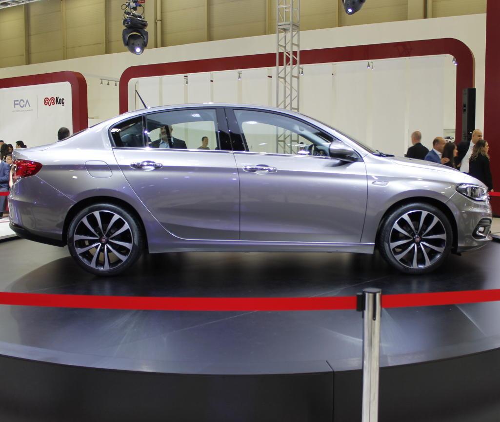 новый Fiat Aegea 2016 сбоку