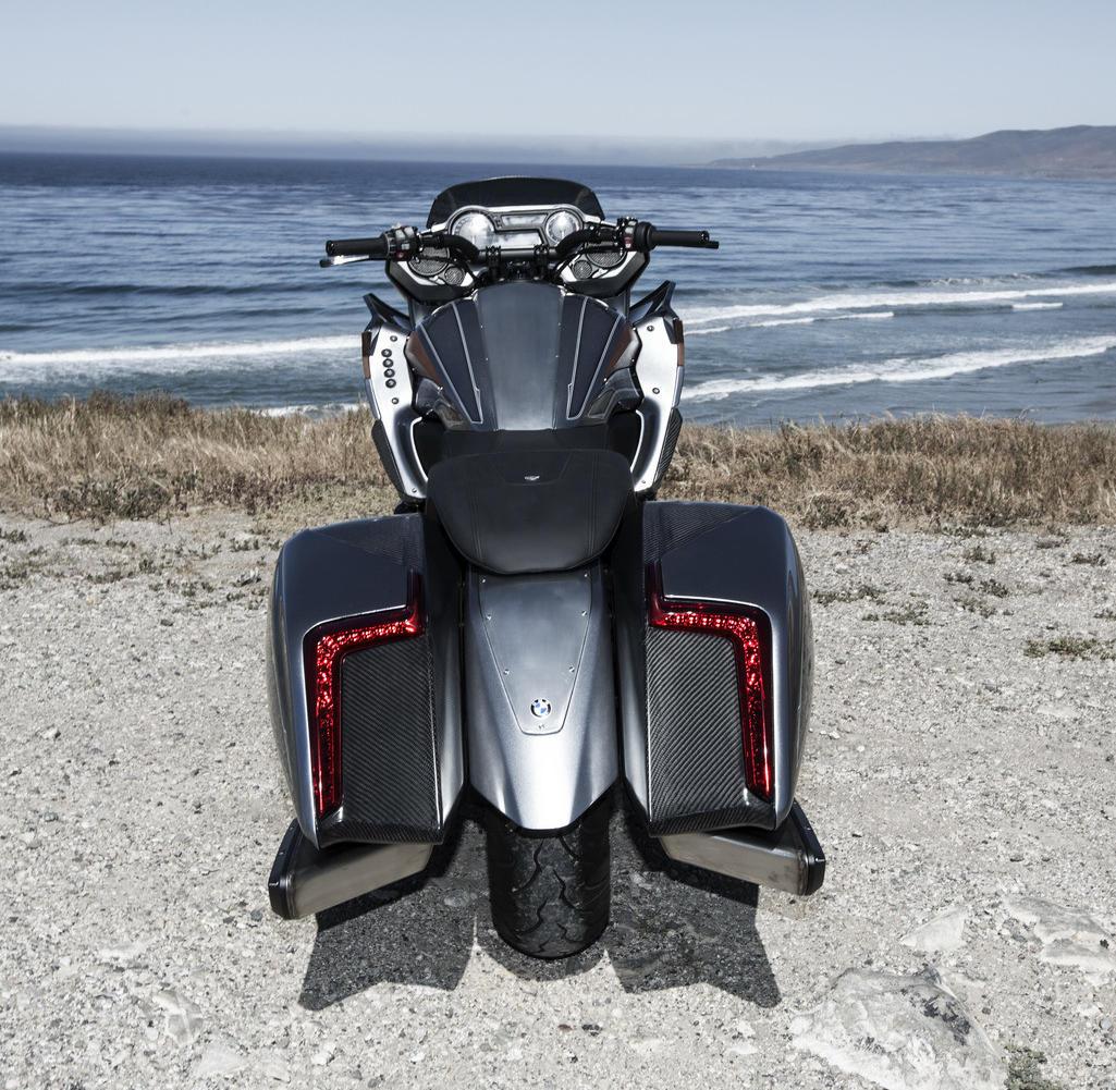 сзади BMW Motorrad Concept 101