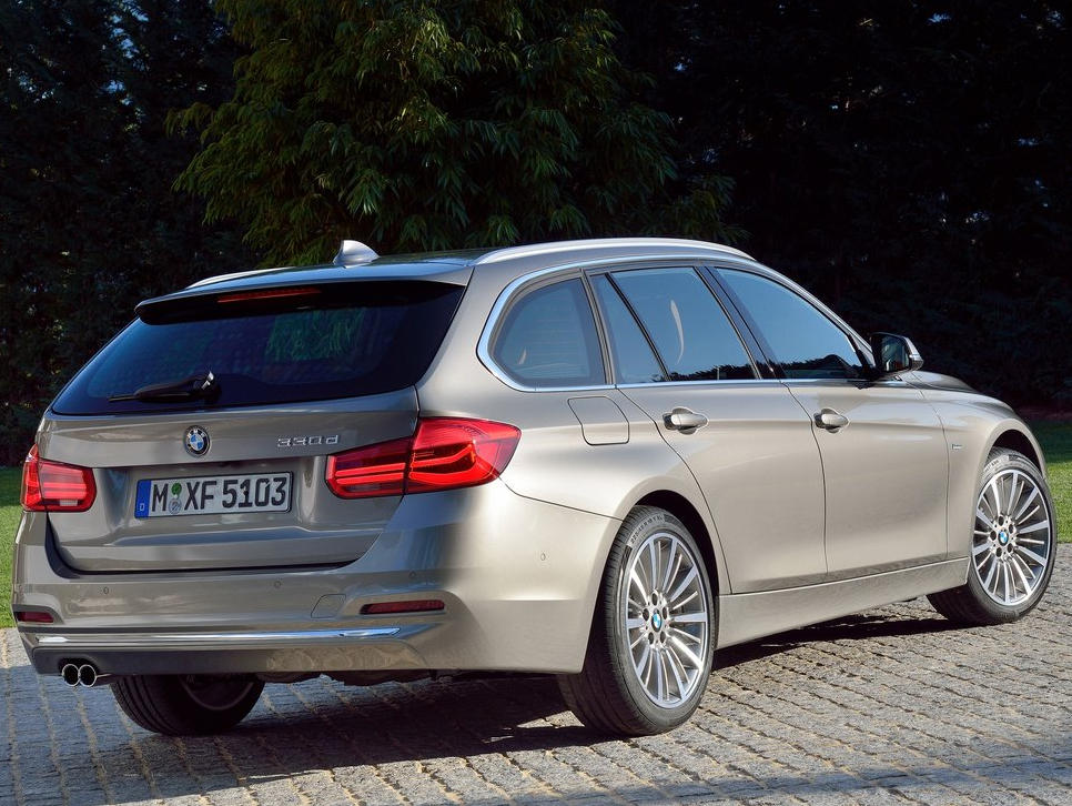 задние фонари универсала BMW 3-Series Touring 2016