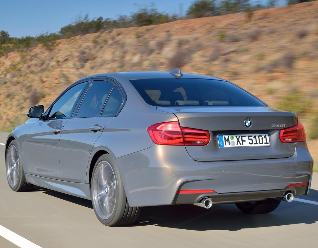задняя часть BMW 3-Series 2015-2016