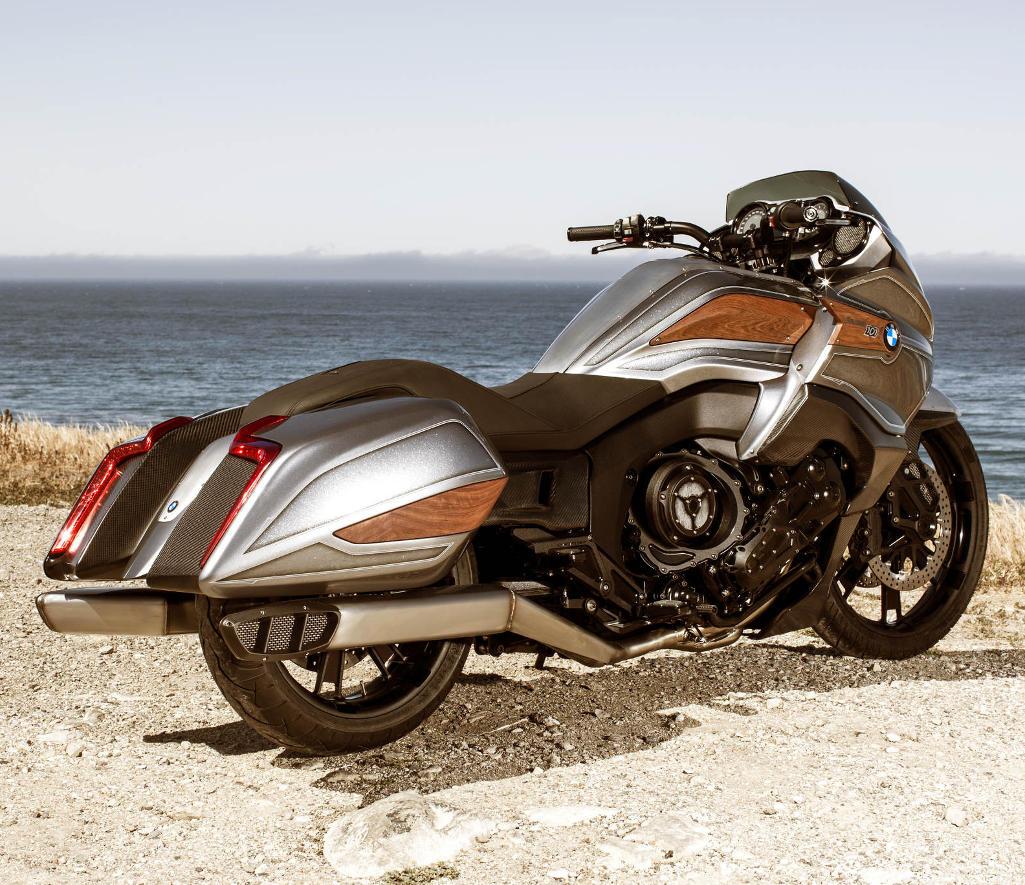 задняя часть BMW Motorrad Concept 101