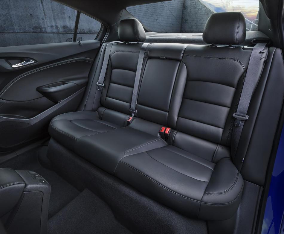 интерьер Chevrolet Cruze 2016