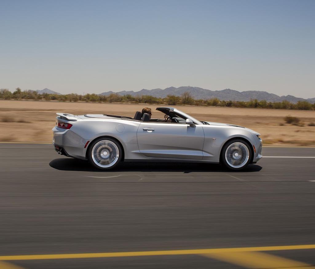 новый Кабриолет Chevrolet Camaro 2016 сбоку