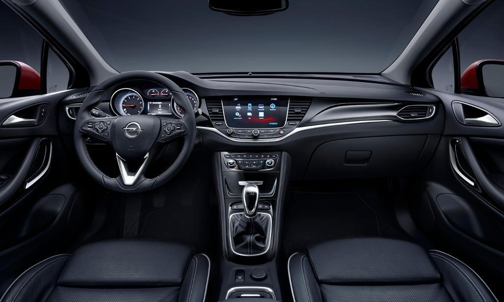 салон Opel Astra 2016