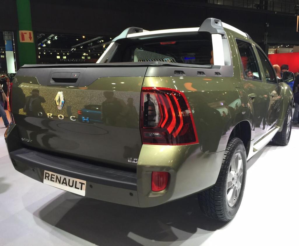задняя часть Renault Duster Oroch 2016