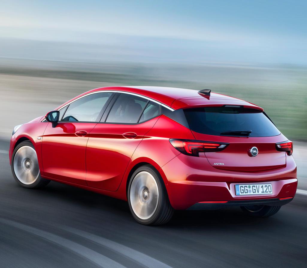 задняя часть хетчбэка Opel Astra 2016