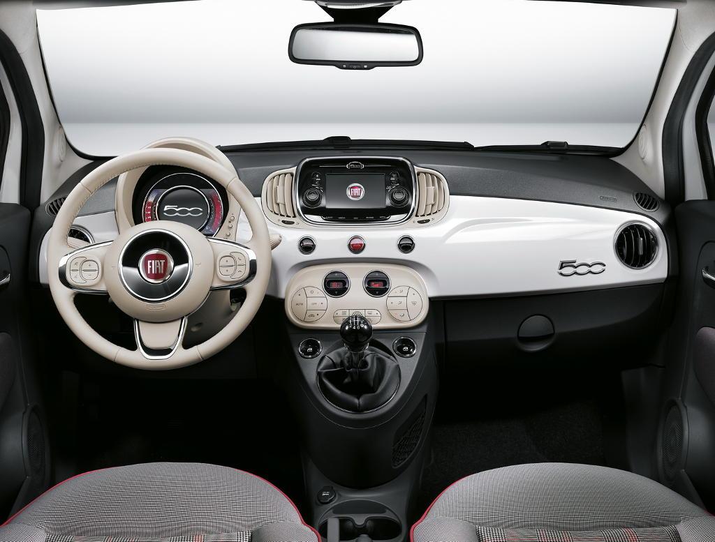 салон Fiat 500 2016