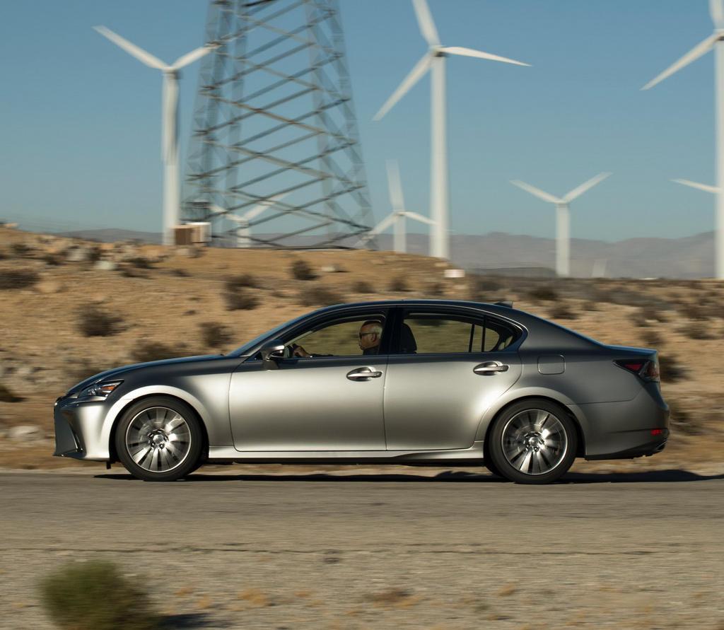 новый Lexus GS 2016 сбоку
