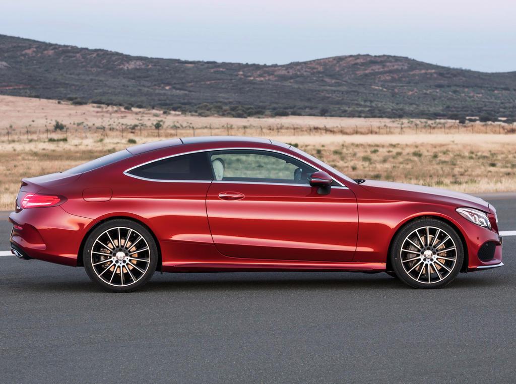 новый Mercedes C-Class Coupe 2016 сбоку