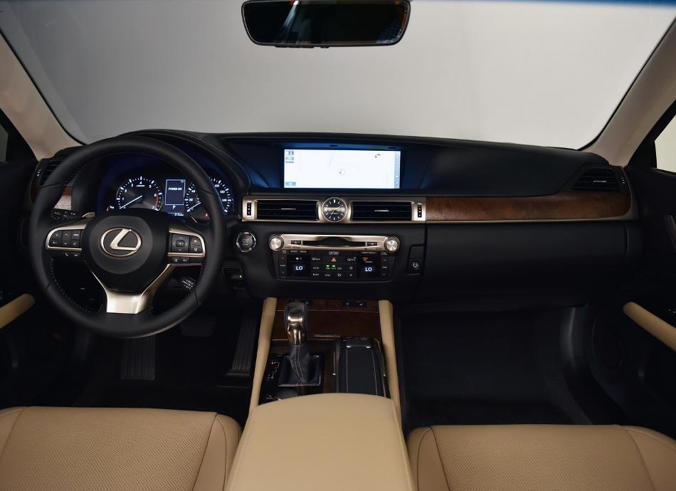 салон Lexus GS 2016