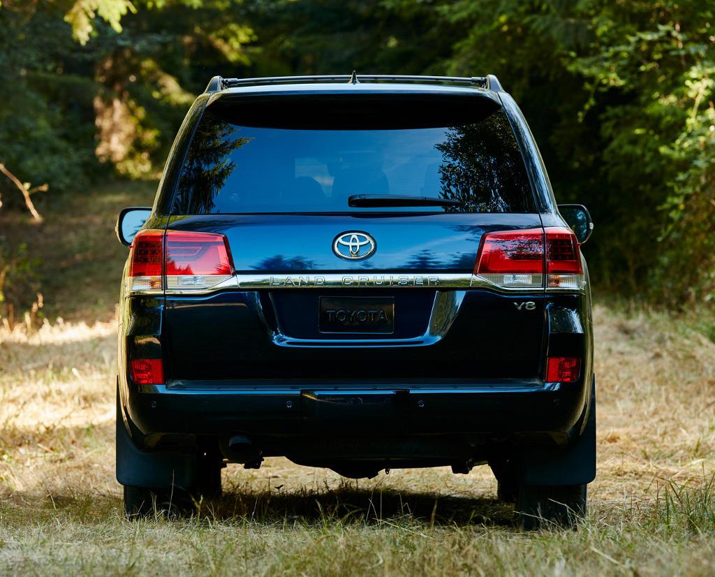 задние фонари Toyota Land Cruiser 200 2021