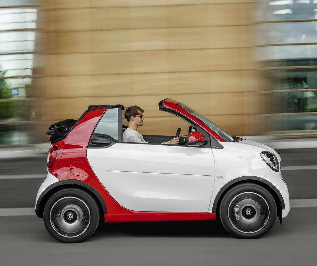 кабриолет Smart Fortwo 2016 сбоку