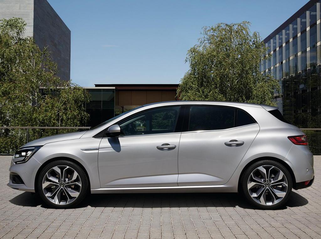 новый Renault Megane 2016 сбоку
