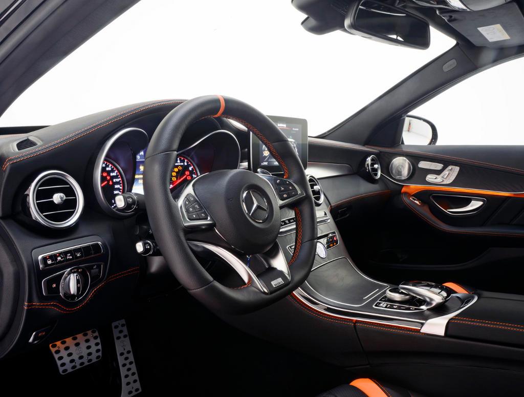 салон Mercedes-AMG C63 S от Brabus