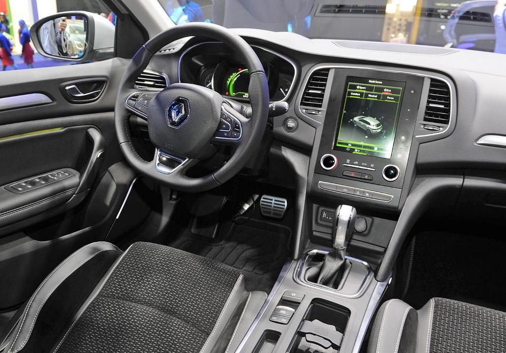 салон Renault Megane 2016