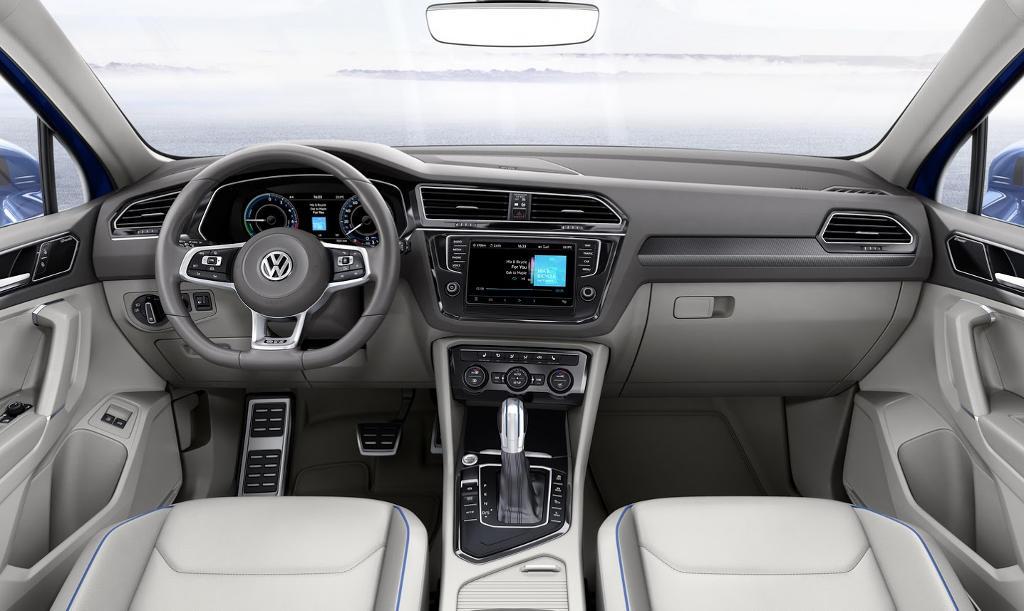 салон Volkswagen Tiguan GTE Concept 2015