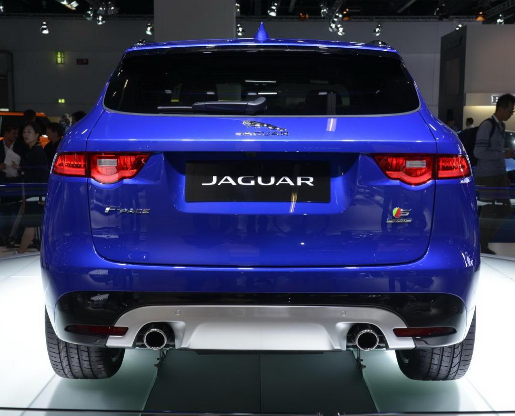 задние фонари Jaguar F-Pace